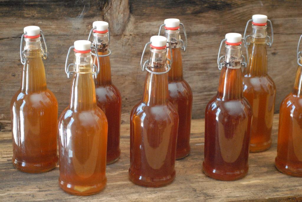 Successfully Brewing Kombucha
